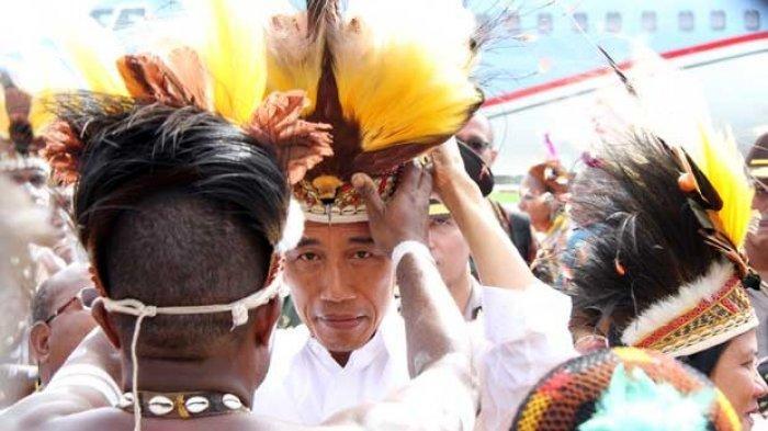 4 Berita Populer: Presiden Dilarang Pakai Mahkota Cenderawasih hingga KNPB Bakutembak Kontra Aparat