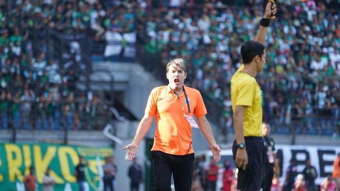 Sindiran Pelatih Macan Kemayoran Julio Banuelos ke PT LIB dan PSSI Jelang Laga Persipura Vs Persija