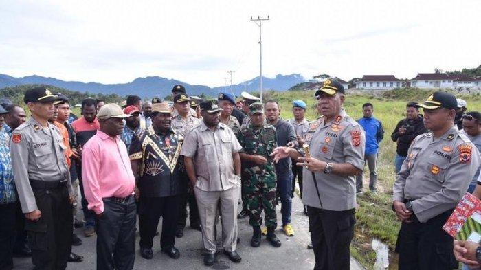 Sopir Truk Tewas Diamuk Massa di Depan Polisi Bukan Gara-gara Babi, Kapolda Papua: Massa Brutal
