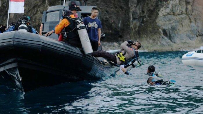 Rayakan HUT ke-74 RI, 106 Penyelam Gelar Upacara di Perairan Perbatasan Papua Nugini