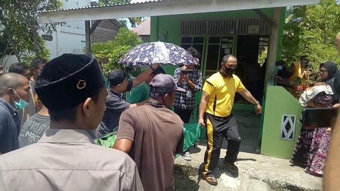 Detik-detik Pemuda Bunuh Guru Ngaji dan Tikam 2 Anak Korban, Pelaku Langsung Dikepung Warga