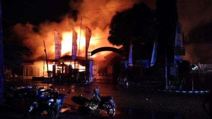 Oknum Kepala Suku di Papua Jadi Pelaku Pembakaran 10 Ruko dan Polsek, Dipicu Konflik 2 Keluarga
