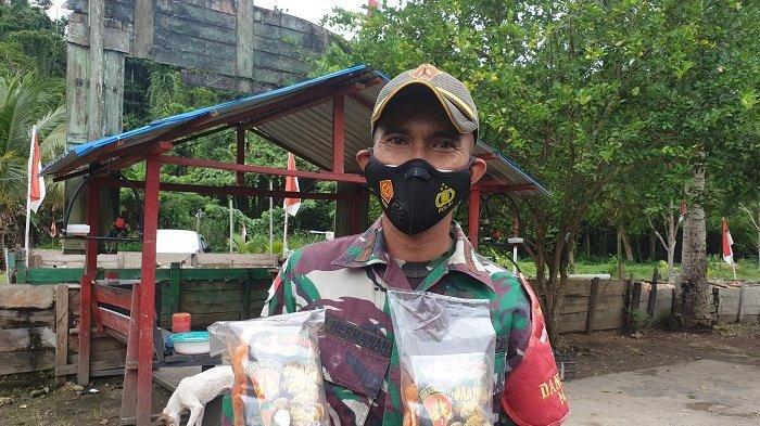 Bangun Ekonomi Kampung, Satgas TNI Pos MossoAjak Warga Produksi Kripik