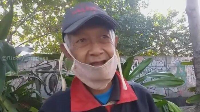 Kisah Kakek Penjual Roti yang Tak Takut Rugi, Bagikan Dagangan yang Tak Habis ke Anak-anak di Jalan