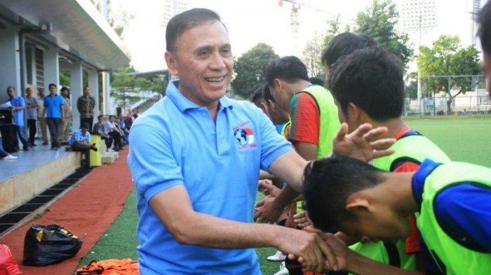 Resmi Jadi Ketua PSSI, Berikut Jejak Karier Iwan Bule