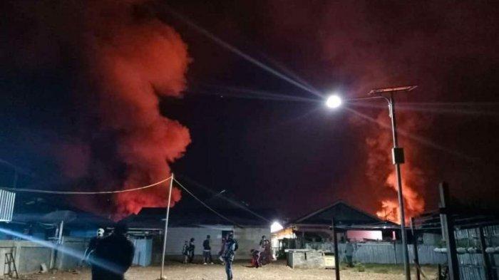 kondisi rumah warga yang dibakar di Dogiyai