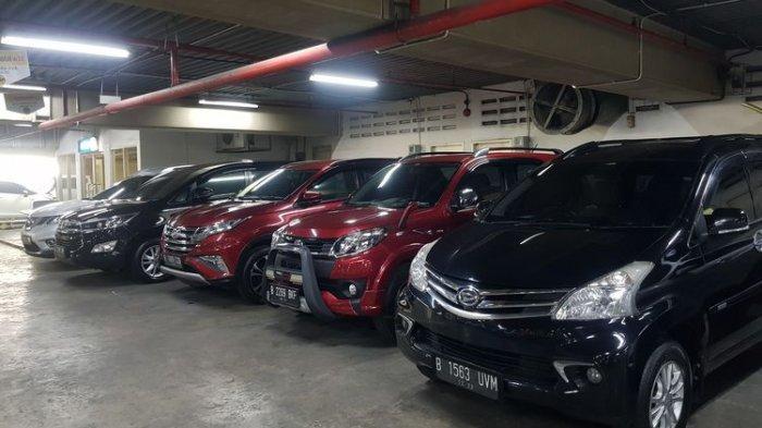Lapak Mobil tawarkan jasa titip jual mobil bekas di WTC Mangga Dua.