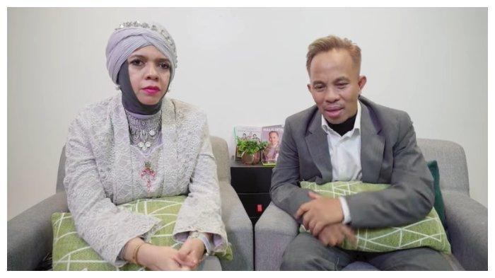 Orangtua Atta Halilintar, Lenggogeni Faruk (ibu) dan Halilintar Anofial Asmid, Minggu (4/4/2021).