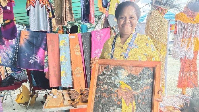Penjual Lukisan Khas Papua Sediakan 20 Lukisan untuk Suvenir PON XX, Ada Burung Cenderawasih