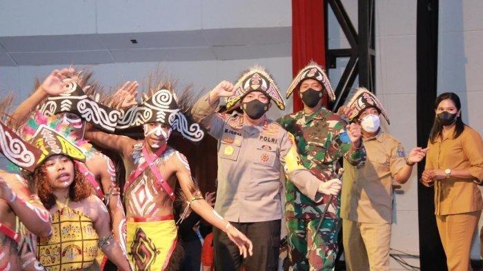 Ikut Peringati Hari Pancasila bersama Mahasiswa Papua, Kapolda NTB: Semangat Pemuda yang Luar Biasa