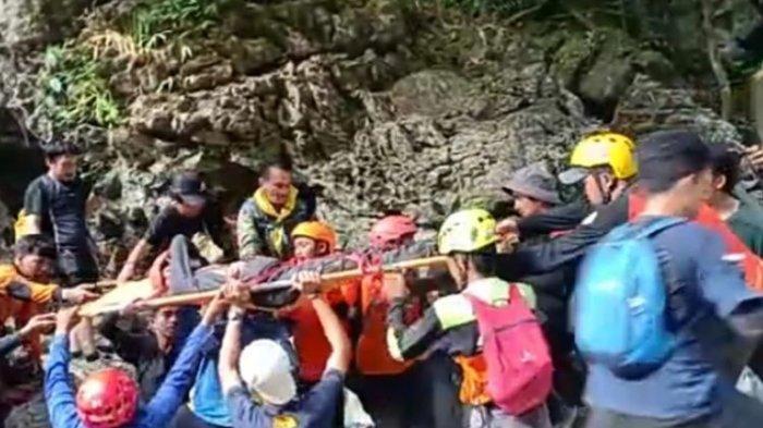 Sempat Hilang di Gunung Abbo Leang Leang, Pendaki Wanita Ini Ditemukan di Celah Bebatuan