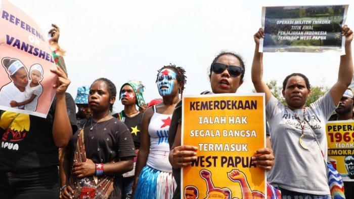 Polisi Tangkap 2 Pengibar Bendera Bintang Kejora saat Demonstrasi di Depan Istana dan Mabes TNI