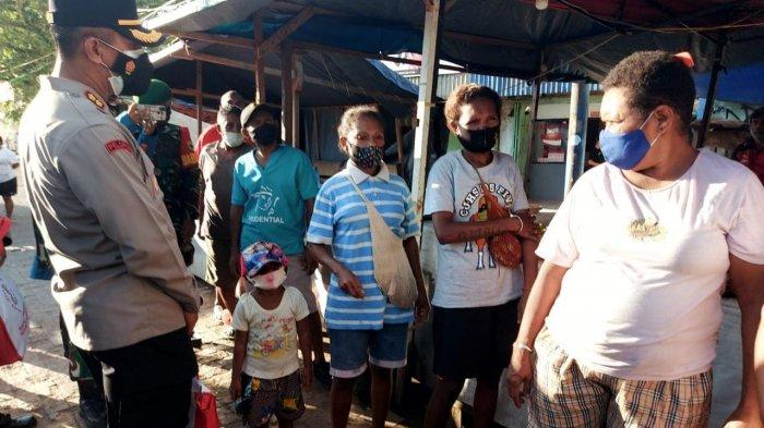 Presiden Jokowi Bantu Mama-mama Papua yang Tak Terima PKH 7 Bulan di Sorong