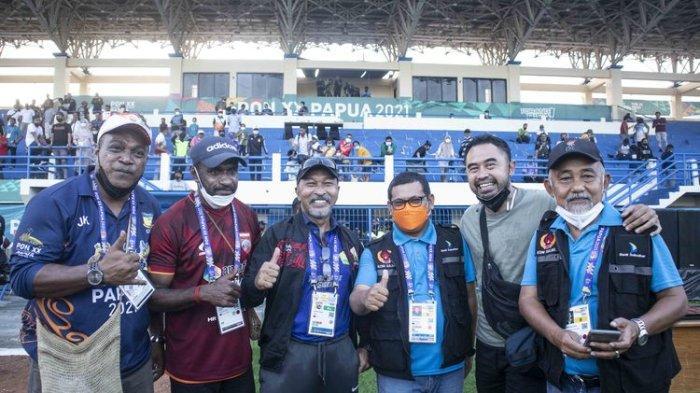 Momen Langka Terjadi di PON XX Papua, Pertemuan Para Legenda Sepak Bola seperti Sebuah Reuni