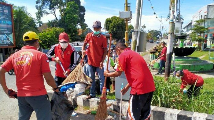 Peringati HUT Pattimura ke-204, Warga Maluku di Manokwari Gelar Jalan Santai dan Aksi Bersih Kota