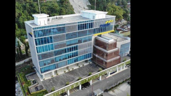 MENARA MANDIRI JAYAPURA - Kompleks perkantoran Bank Mandiri Kota Jayapura, Jl Dr Soetomo, Kota Jayapura, Papua. Gedung ini diresmikan Dirut Bank Mandiri Darmawan Junaidi, Jumat (12/6/2021).