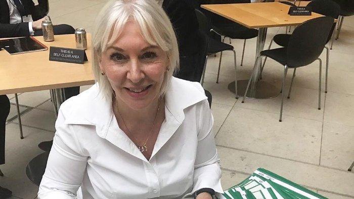 Positif Tertular Virus Corona, Menteri Kesehatan Inggris Nadine Dorries Isolasi Dirinya Sendiri