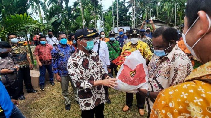 Kunker Hari Ke-2 Menteri PMK Tinjau Rumah Program Kelurahan Harapan di Kampung Wonorejo Keerom