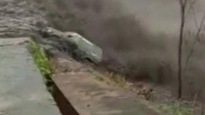 Viral Video Mobil Terseret Lahar Dingin Semeru di Lumajang, sang Pemilik Selamat