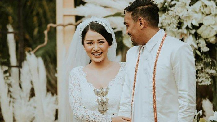 Jadi Tamu Undangan, Edo Kondologit Cerita soal Pernikahan Glenn Fredly dan Mutia Ayu