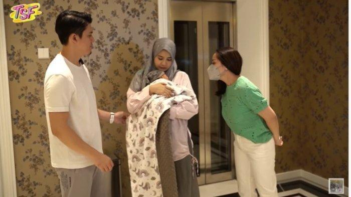 Dihadiahi Nagita Berlian setelah Melahirkan, Zaskia Sungkar Berkelakar: Gue Hamil Tiap Tahun Deh