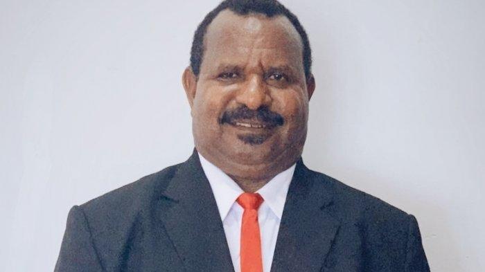 Ones Pahabol, Eks Bupati Yahukimo yang Masuk Bursa Calon Wakil Gubernur Papua
