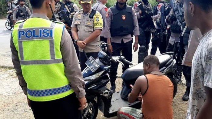 Polisi Amankan 3 Orang Pembawa Senjata Tajam di Manokwari dalam Operasi Patuh 2019