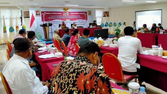 Pansus DPR Gelar Rapat dengan Pemda Papua Barat Bahas soal Revisi UU Otsus