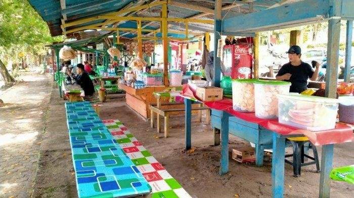 Pantai Pasir Putih Sepi Pengunjung, Omset Pedagang Menurun: Biasanya Rp 4 Juta Kini Rp 300 Ribu Saja