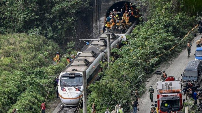 51 Orang Tewas, Saksi Ungkap Detik-detik Kecelakaan Kereta Taiwan: Kami Pecahkan Jendala, Naik Atap