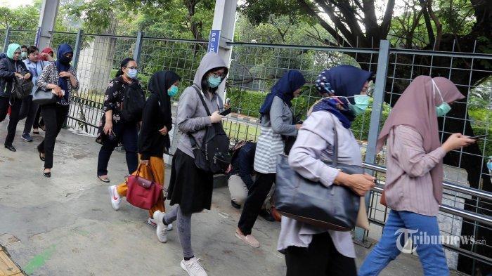 KCI Bakal Lakukan Penyekatan di Stasiun untuk Antisipasi Padatnya Penumpang KRL saat New Normal