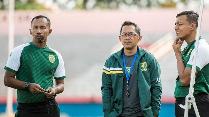 Waspadai Kebangkitan Persipura Jayapura, Pelatih Persebaya Aji Santoso Mantapkan Strategi
