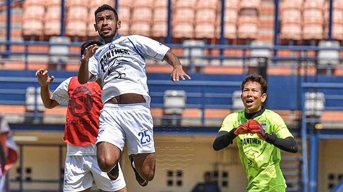 Pemain Berdarah Papua, Julius Josel Bangga Masuk Persib Bandung Namun Tak Lupakan Kuliah
