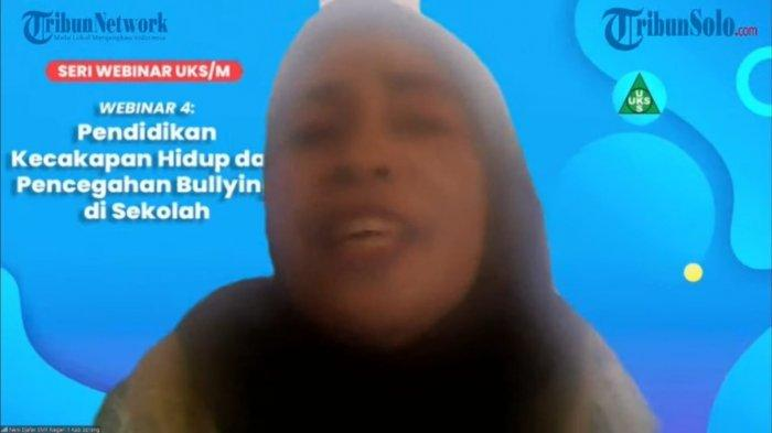 Neni Djafar. (Tangkapan Layar Siaran Langsung Akun Tribun Papua.Com)