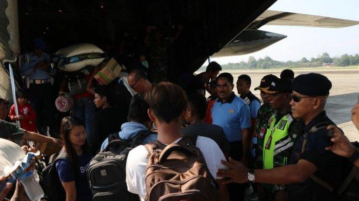 Jumat Hari ini, 104 Pengungsi Kembali ke Wamena Menggunakan Pesawat Hercules