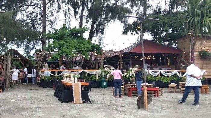 Soetijah Beach, Kafe Istana Kayu di Pinggir Pantai Holtekamp Jayapura Papua