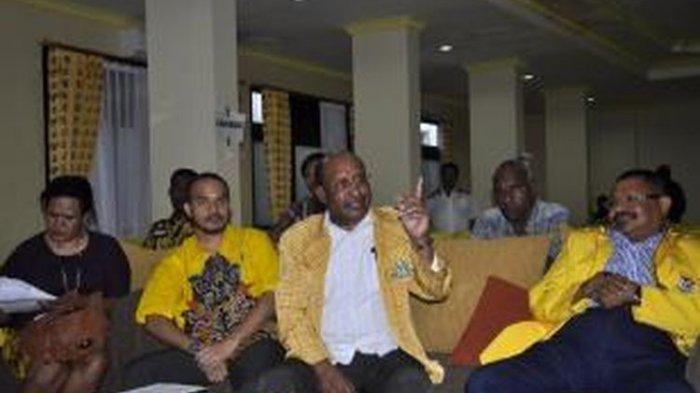 Profil Paskalis Kossay : Salah Satu Calon Cawagub dari DPD Golkar Papua