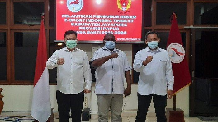 Gustaf Griapon Resmi Dilantik Sebagai Ketua PB ESI Kabupaten Jayapura