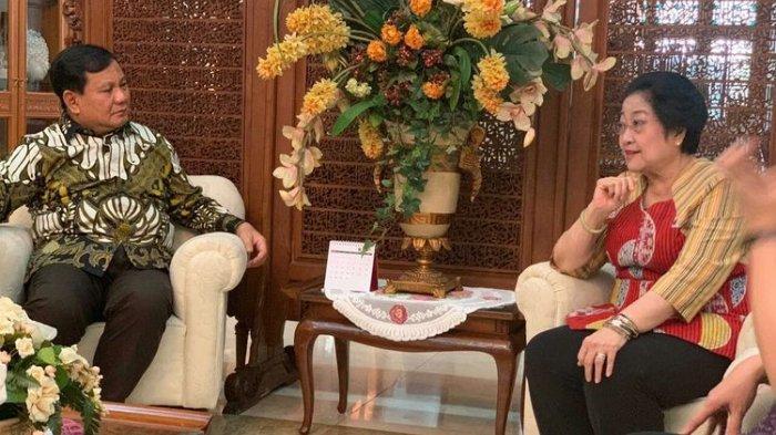 Megawati Minta Peserta Kongres V PDIP Tak Teriak 'Huuu' saat Prabowo Hadir: Tepuk Tangan Saja