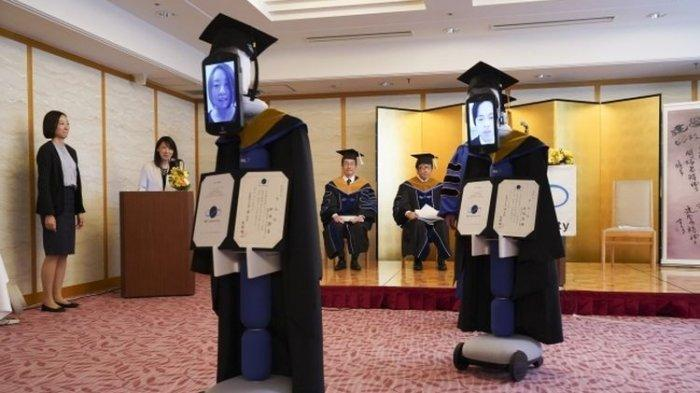Cara Unik Universitas di Jepang Wisuda Mahasiswa saat Wabah Corona, Pake Robot Avatar