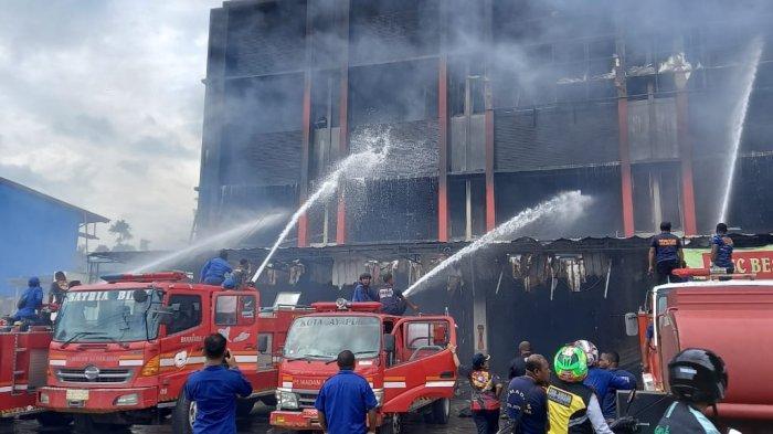 Kebakaran Ruko di Abepura Dipadamkan Total Damkar, Margaretha: Api Sempat Berkobar