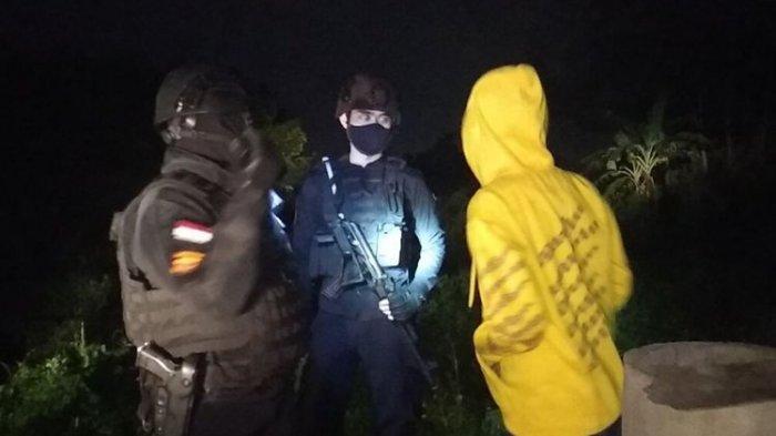 Pesta Miras, Sekelompok Remaja Kocar-kacir Lari ke Got hingga Semak-semak saat Dikejar Polisi