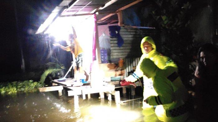 Sungai Meluap, Perumahan BTN Gajah Mada Sentani Terendam Banjir, Warga Dievakuasi