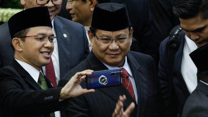 Lari Kecil Prabowo saat Hindari Awak Media dan Tawa Sejumlah Petinggi Parpol