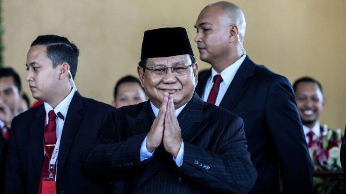 Ketika Prabowo Ikut Selfie dengan Megawati dan Puan Maharani, Nyempil di Tengah-tengah
