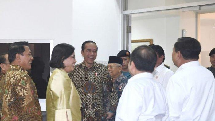 Prabowo Subianto Gagal Berpose dengan Sri Mulyani karena Jokowi Datang, Tawa Presiden Pecah