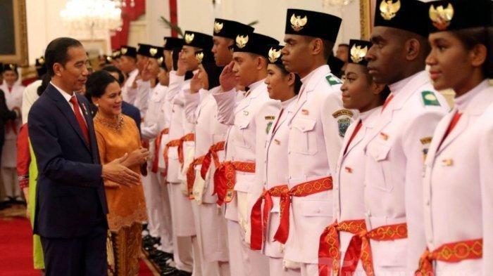 Jokowi Beri Hadiah untuk Anggota Paskibraka di Istana, Sepatu Bekasnya hingga Sepeda