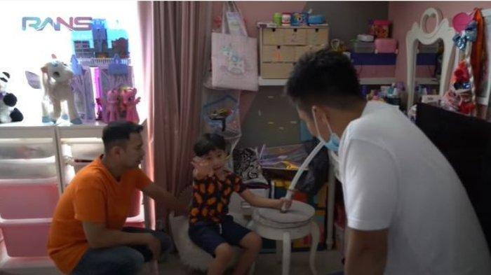 Usir Raffi Ahmad dan Baim Wong, Rafathar Tak Mau Salat Berjamaah: Ini Kameranya Dimatiin