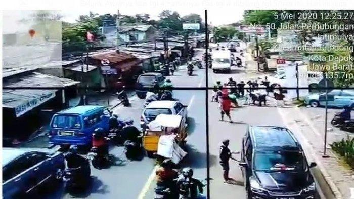 Viral Video Perampokan di Depok yang Gagal, Korban dan Pelaku Tarik-tarikan Tas Berisi Rp 80 Juta