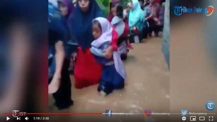 Video Banjir Bubarkan Tamu Resepsi Nikah yang Baru Ijab Qobul, Pengantin Fathkul: Saya Santai Saja